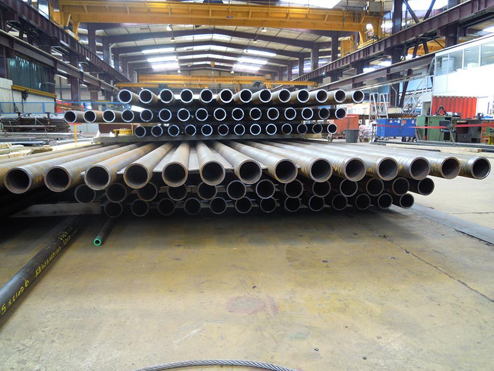 machine-outil-industrie-tubes-et-pipelines.jpg